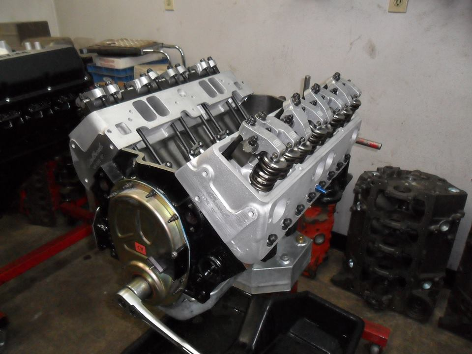 18° Head 427 SB Chevy Dirt Stock Car Engine